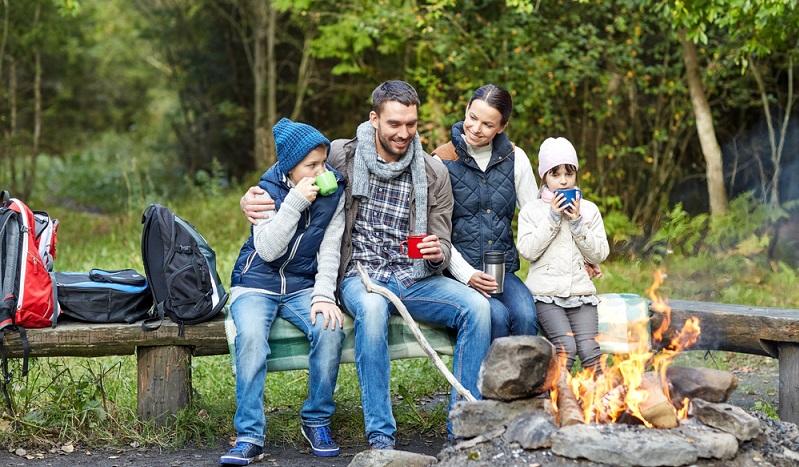 Beim Familienurlaub auf dem Campingplatz sollte man die Wünsche von allen Familienmitgliedern respektieren. So wird das Camping besonders erholsam und abwechslungsreich. In der traumhaften Naturlandschaft bei den Schluchten von Verdon gibt es so vielfältige Dinge zu sehen und zu erleben, dass niemand zu kurz kommt. (#02)