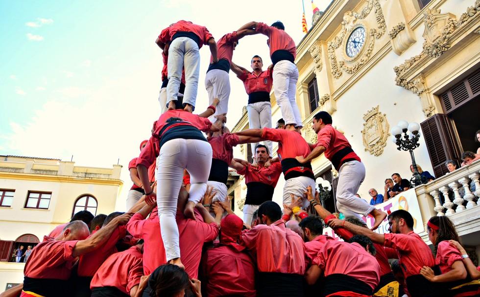Die Castells, die Menschentürme, wie hier in Vilafranca wurden in das Weltkulturerbe aufgenommen. (#7)