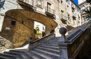 Die Historische Altstadt von Girona ist einen Abstecher wert. (#4)
